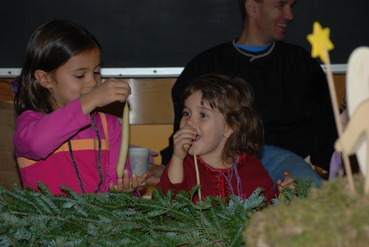 Candle Dipping at Holiday Fair 2007 (2)